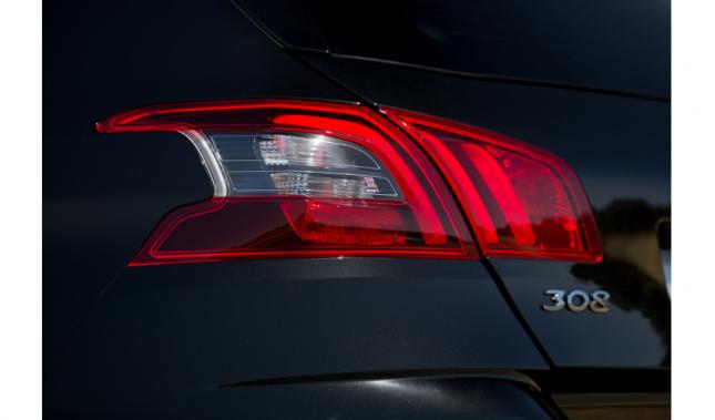 Imagen Curiosidades que intentan explicar por qué todos los modelos de Peugeot terminan en 8
