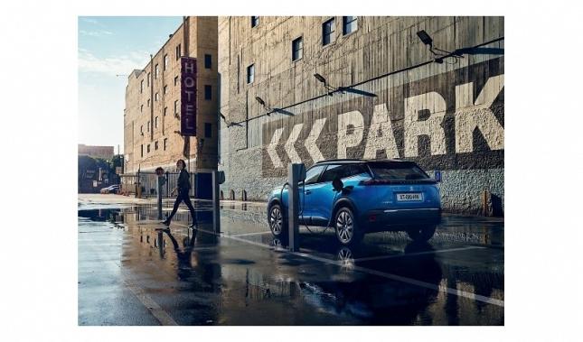 Imagen Nuevo SUV Peugeot e-2008: la tecnología eléctrica se adapta a todos los terrenos