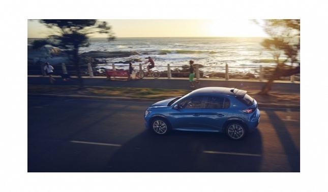 Imagen Peugeot lleva su visión juvenil, futurista y electrizante de la movilidad a la muestra Ecomov de Val