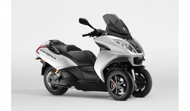 Imagen Peugeot Motocycles participa en el Motor Show de Ginebra 2019 donde revela el concepto E Metropolis,