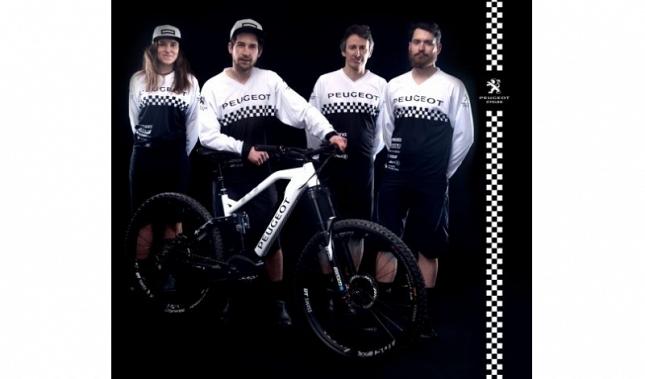 Imagen Peugeot Cycles presenta su equipo de e-bikes