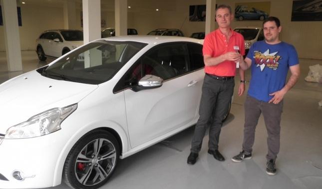 Imagen Automóviles Marco entrega el primer Peugeot 208 GTI en Navarra